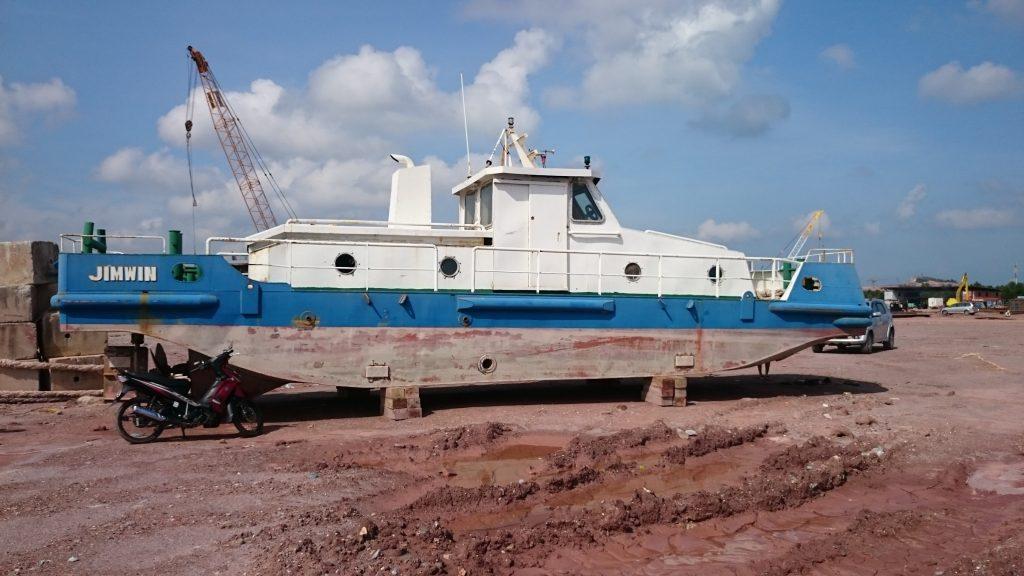 12m-boat
